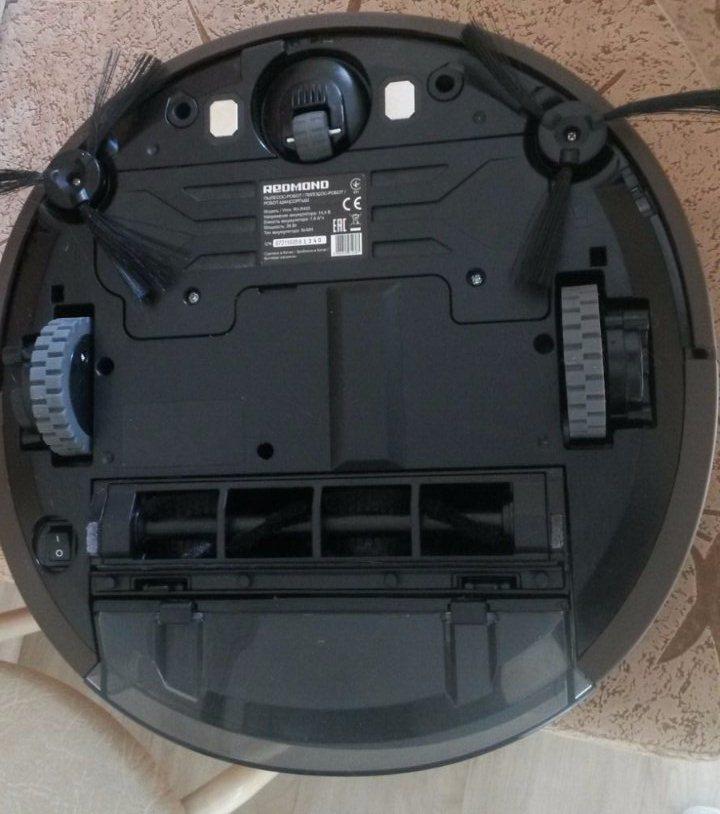Конструкция робот-пылесоса Redmond RV-R400