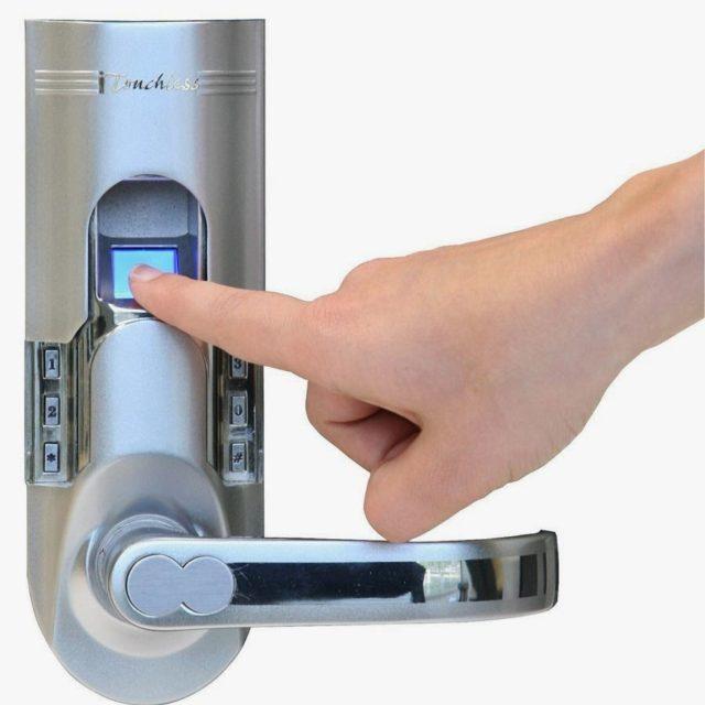 Нет необходимости носить связку ключей, магнитную карту или блокнот с записанным секретным кодом