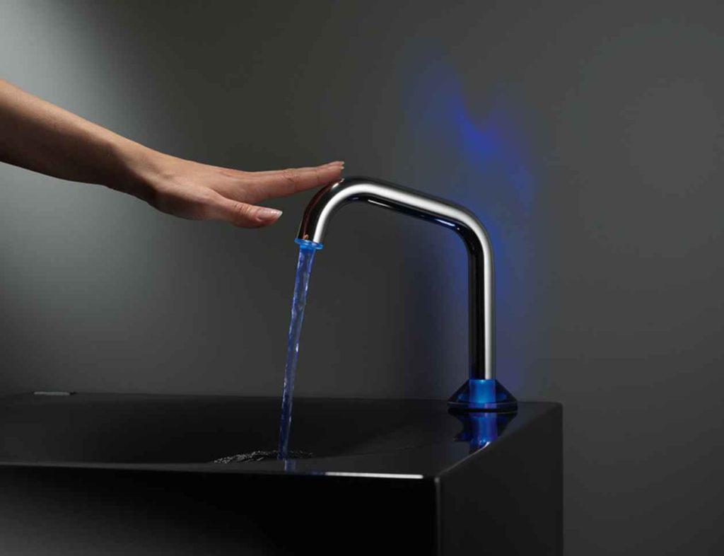 Сенсорный датчик на водопроводный кран