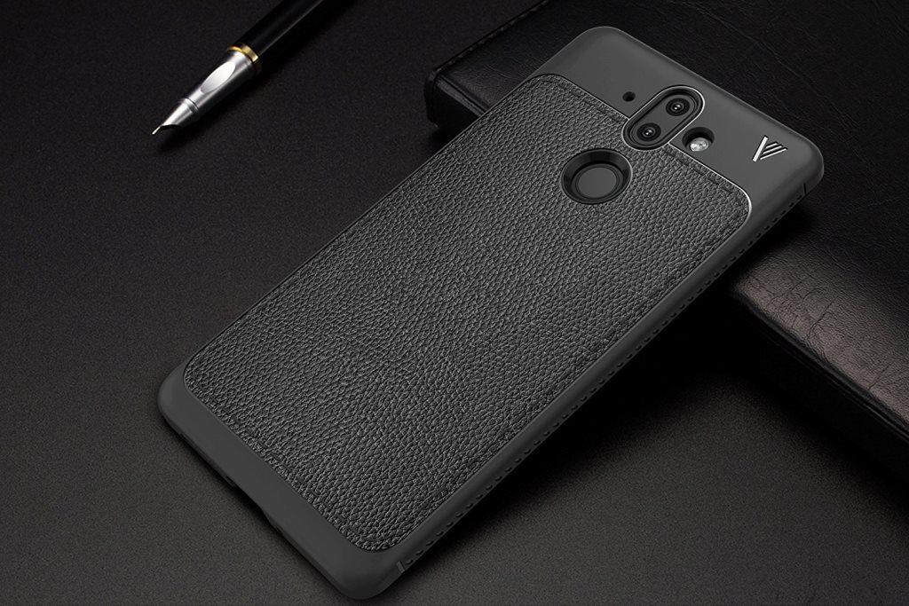 Nokia 9 в черном чехле
