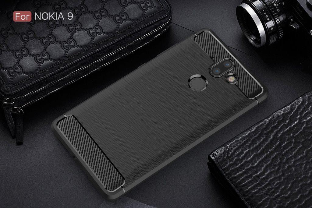 Фото смартфона Nokia 9 в черном чехле