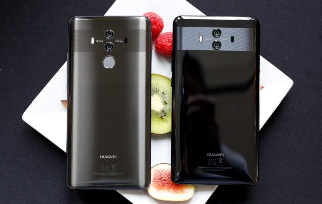 При этом стоит отметить, что сам смартфон уже с завода идёт с защитной плёнкой на стекле дисплея